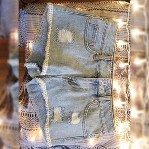 Bullhead denim shorts with lace trim